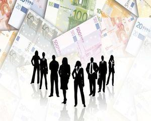 Criza a redus decalajul de salarizare intre angajatii si angajatele din UE