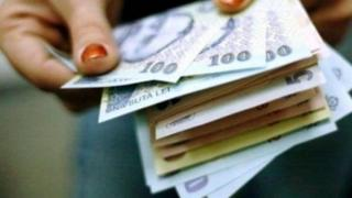 Ce salarii ofera hipermarketurile din Romania. Care e retailerul cu salarii medii de aproape 4.000 de lei net pe luna
