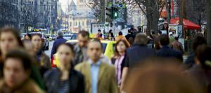 Un sfert dintre angajatii din Romania traiesc cu 1.300 de lei pe luna