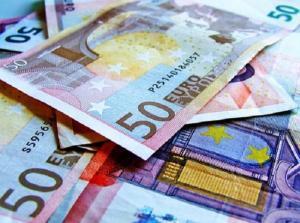 Salariul minim pe economie rupe Europa in doua