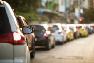Legea impotriva samsarilor de masini a picat in Parlament