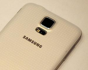 Samsung a lansat GALAXY S5 cu ecran de 5,1 inci