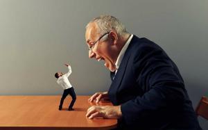 5 semne ca seful tau e impresionat de tine, chiar daca nu pare asa
