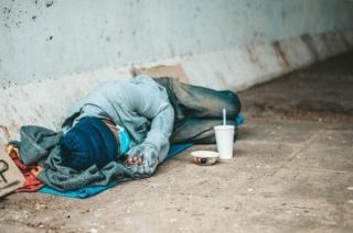 O jumatate de miliard de persoane ar putea ajunge la pragul de jos al saraciei, din cauza pandemiei