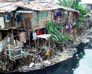 Apa potabila si electricitate: Sute de oameni nu au acces la ele