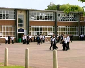 Ministrul Educatiei: Mii de scoli din mediul urban, conectate la internet cu banda larga