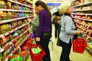Se tot scumpesc alimentele: Mancarea e pe punctul de a deveni un lux, nu o necesitate in Romania