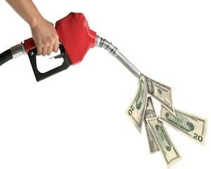 Epoca celei mai ieftine benzine din UE pentru soferii romani a apus; Ponta inaugureaza moda motorinei scumpe