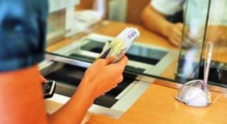 Puneti bani deoparte: ratele la banci se scumpesc. Ce ne sfatuiesc economistii