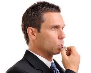 Cei mai multi angajati care semnaleaza problemele din companie sunt ignorati de sefi
