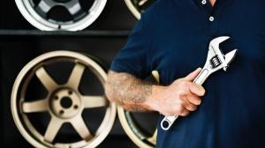 Consiliul Concurentei a facut inspectii inopinate pe piata serviciilor de intretinere a masinilor