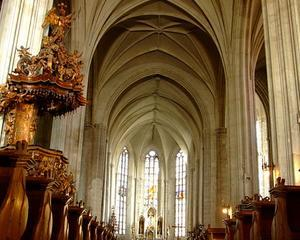 Arhiepiscopul de Milano: Romania are o mare carte de jucat in Europa