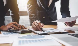 10 sfaturi de educatie financiara pe timpul coronacrizei, de la expertii BCR