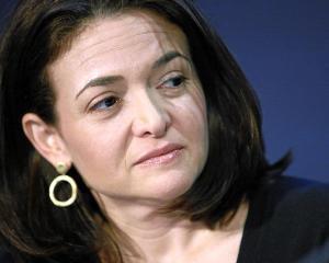 Sony Pictures a cumparat drepturile de ecranizare a cartii Lean In, semnate de Sheryl Sandberg