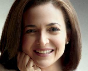 UPDATE 2: Sheryl Sandberg, COO Facebook, trebuia sa fie in avionul prabusit la San Francisco