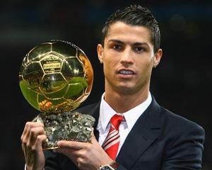 Cristiano Ronaldo isi incepe anul 2014 cu un trofeu si multe contracte publicitare