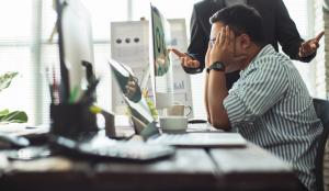 5 factori de stres resimtiti cel mai mult de angajati si cum sa-i elimini