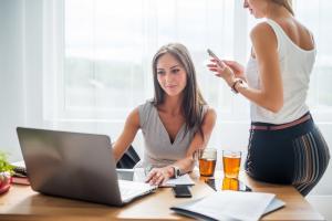 5 sfaturi pentru a-ti alege parfumul pe care il porti la serviciu