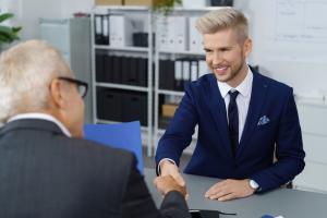5 sfaturi vestimentare de care barbatii ar trebui sa tina cont atunci cand merg la un interviu