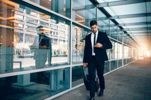 5 lucruri utile pe care sa le iei cu tine in bagaj pentru o calatorie de afaceri