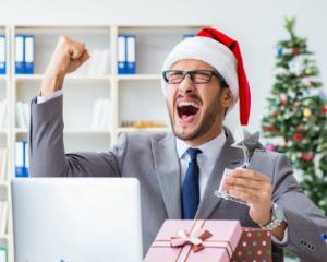 Bonusuri de Craciun care ii vor convinge sa ramana alaturi de tine si in 2018