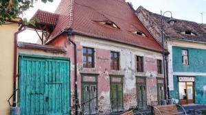 Cati ani are cea mai veche locuinta de vanzare din Romania