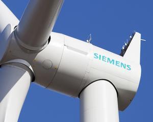Siemens doreste sa-l concedieze pe seful sau, Peter Loescher