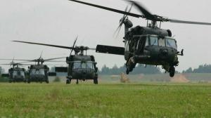 Romania devine centru regional de echipare si intretinere al elicopterelor Black Hawk