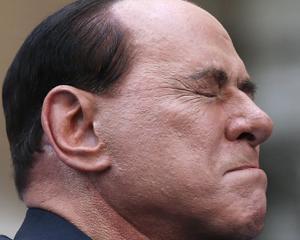 Berlusconi a inceput munca la un azil pentru pacientii cu Alzheimer