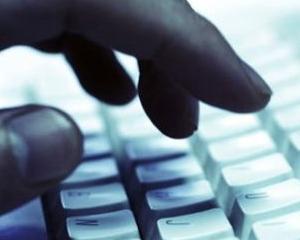 Site-ul internet al CNN a fost spart de hackeri