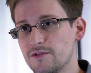 "Chinezii vor sa lanseze masini electrice marca ""Snowden"""