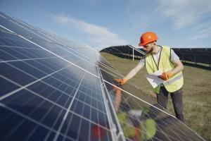 Grupul Electrica a cumparat un parc fotovoltaic detinut de Long Bridge Millenium