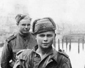 Editorial Dan Manusaride: Soldatul sovietic din Guvernul Romaniei