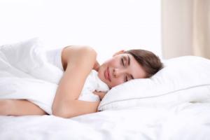 Afla ce alimente e indicat sa consumi pentru un somn odihnitor