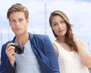 Ce fel de camera foto lanseaza Sony