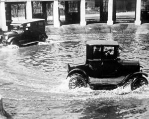 Spalatoria auto implineste o suta de ani