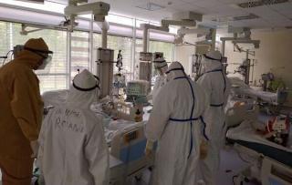 Aproape 2.000 de studenti voluntari s-au alaturat cadrelor sanitare din prima linie a luptei impotriva SARS-CoV-2