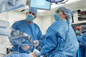 Spitalele din Romania sunt in alerta din cauza unui virus misterios depistat in China