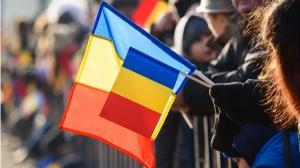 La multi ani, Romania! La multi ani, romani!