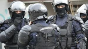 Interventie in forta a jandarmilor la meciul orgoliilor Steaua - Rapid