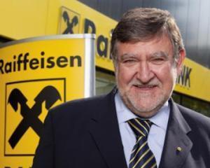 Seful Raiffeisen International a demisionat