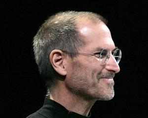 """Scandalul """"cartelului"""" e-book-urilor: Raposatul Steve Jobs risca """"sa ingroape"""" Apple-ul in SUA"""