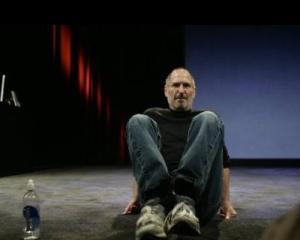 O fosta angajata Apple: Unul din cele mai cunoscute momente din cariera lui Steve Jobs a fost cusut cu ata alba
