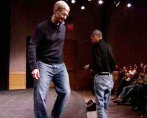"Tim Cook ""gateste"" la foc mare: ""Fragmentarea versiunilor de Android reprezinta o povara pentru dezvoltatori"""