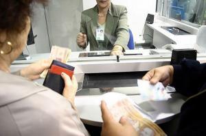 Depozitele din bancile din Romania scad din cauza strainilor