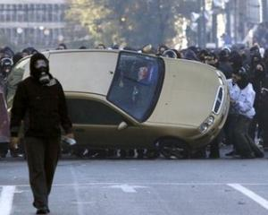 Studentii din Marea Britanie ies din nou in strada si protesteaza impotriva politistilor