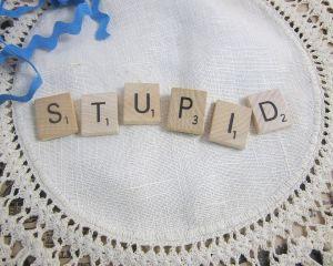 Cum iesim din 'Criza de Stupiditate' - sfaturi practice