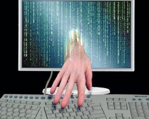 SUA ii acuza pe chinezi ca le fura secretele cibernetice