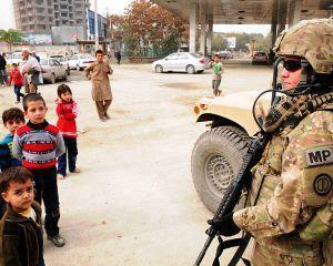 SUA si-ar putea retrage trupele din Afganistan folosind Romania