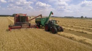 In perioada urmatoare, sute de mii de fermieri vor primi subventiile pentru lucrarile agricole